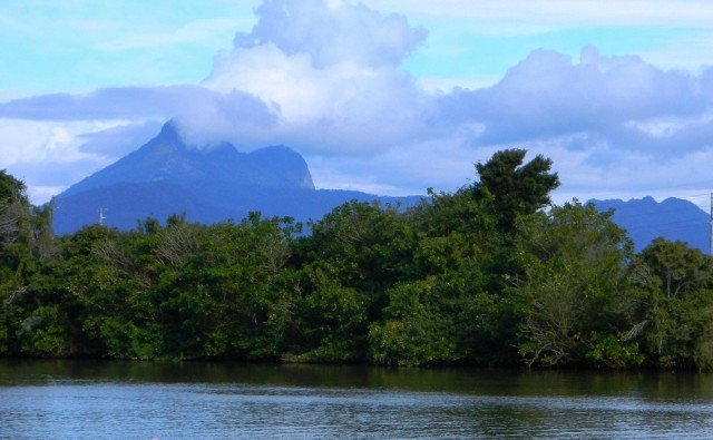 Photo (cropped) Mt Warning Dragons/Flickr