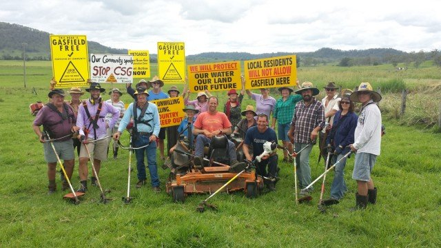 Bently farmers and locals were joined by anti-CSG 'protectors' in setting up the camp for the upcoming blocksdes. camp