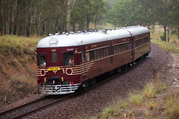 rail shuttle -600x399