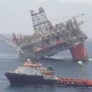 Oil-Rig-sinking-300×225
