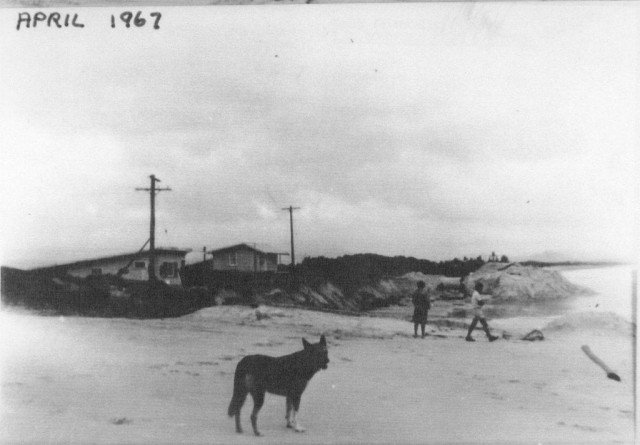 Manfred Street, at Belongil, in 1967, showing sand mining in progress in the background. Photo Peter Duke.