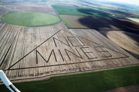 Anti-mining protest sign on the Liverpool Plains. Photo Lock the Gate