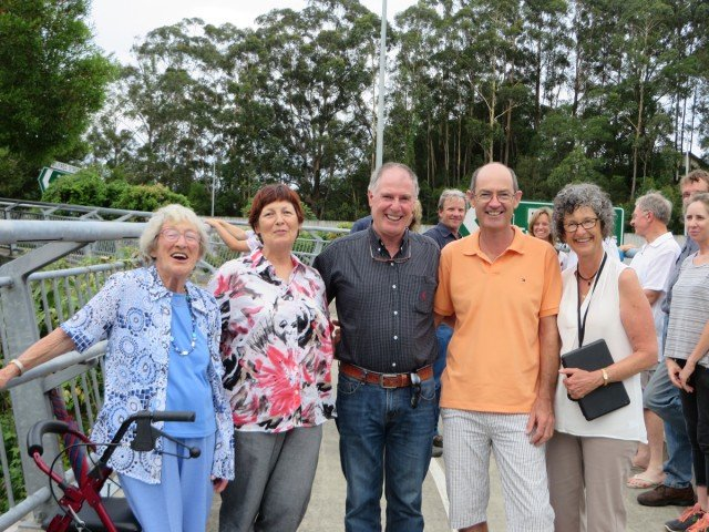 Gloria Poynting with four of her five children (l-r): Julieanne, Robert, Richard and Sandra at the bridge dedication..