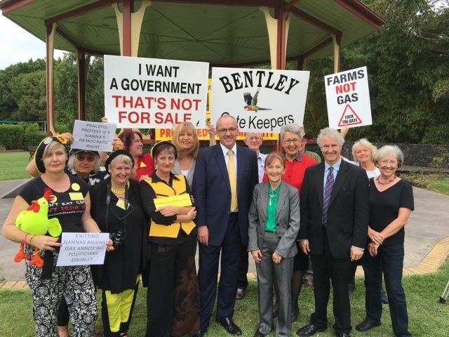 NSW Labor leader Luke Foley (front & centre) with local Labor luminaries Justine Elliot (left), Janelle Saffin (front, right) and Jenny Dowell (rear right) plus Knitting Nannas and members of Lock the Gate in Lismore.