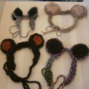 finger-knitting-ears-1200×800