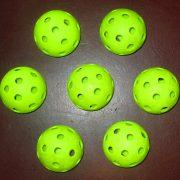 Pickleballs wikipedia Мяч_для_игры_в_пиклбол
