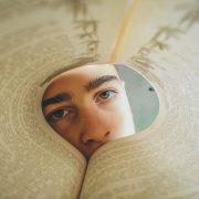 eyes-boy book teenager sad 4505196_1920